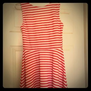 ◽️❤️Red & White Striped Sleeveless Mini Dress❤️◽️